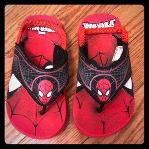 Sz 9/10 little boys Spider-Man flip flops